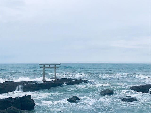 大洗の海の鳥居